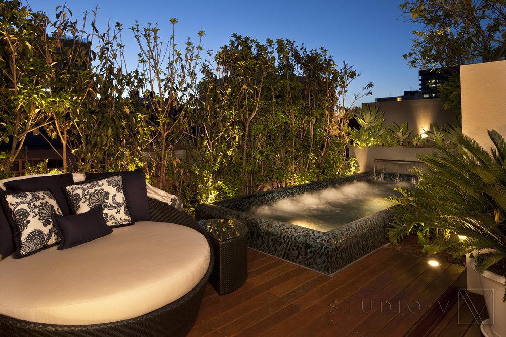 17_A hot tub.jpg