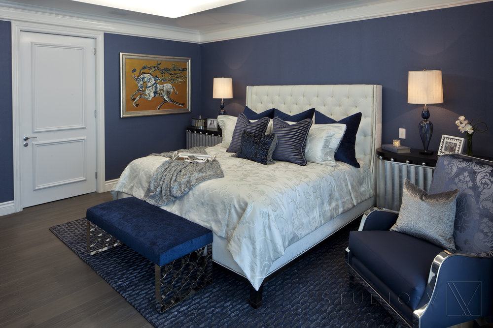 19_A blue bedroom.jpg