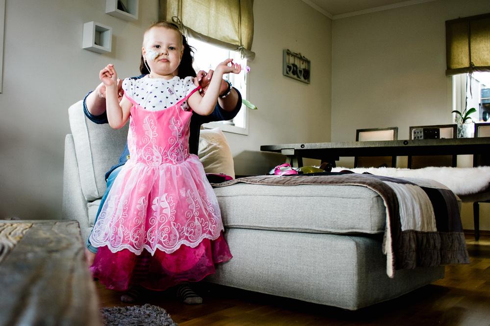 Selma liker å kle seg opp. Foto: Ole Gunnar Onsøien