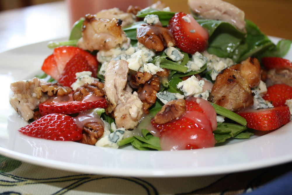 Strawberry-Spinach Salad with Grilled Chicken and Sweet Vinaigrette ...