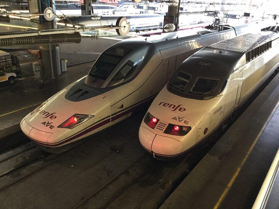 スペインの新幹線AVE(アーヴェ)です。