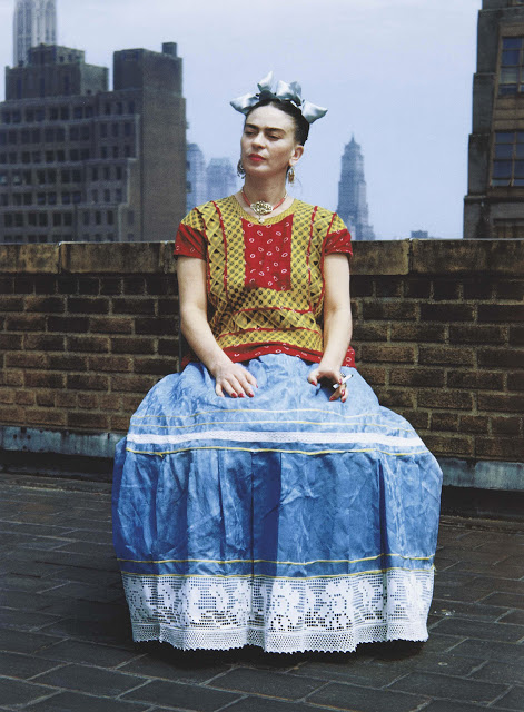 Frida Kahlo in New York City. Picture by Nickolas Muray 1938