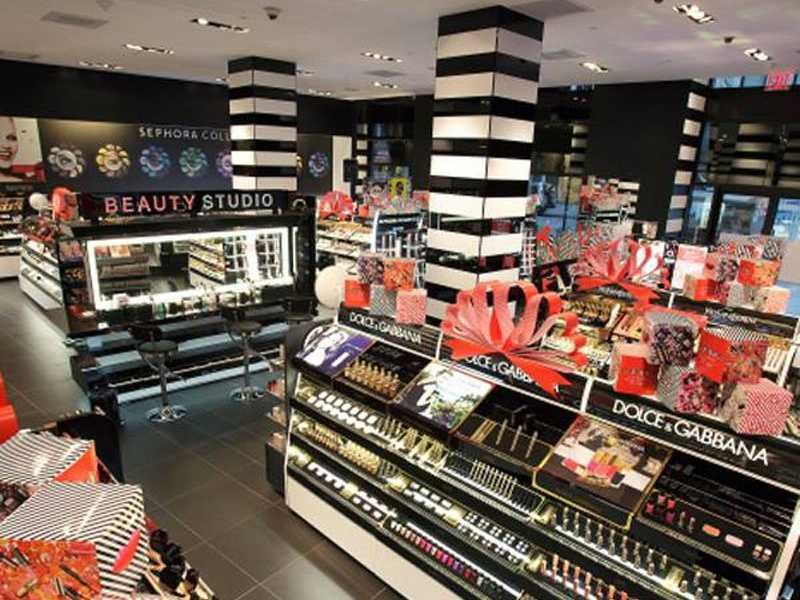 Bright, colourful and attractive - Sephora celebrates cosmetics.
