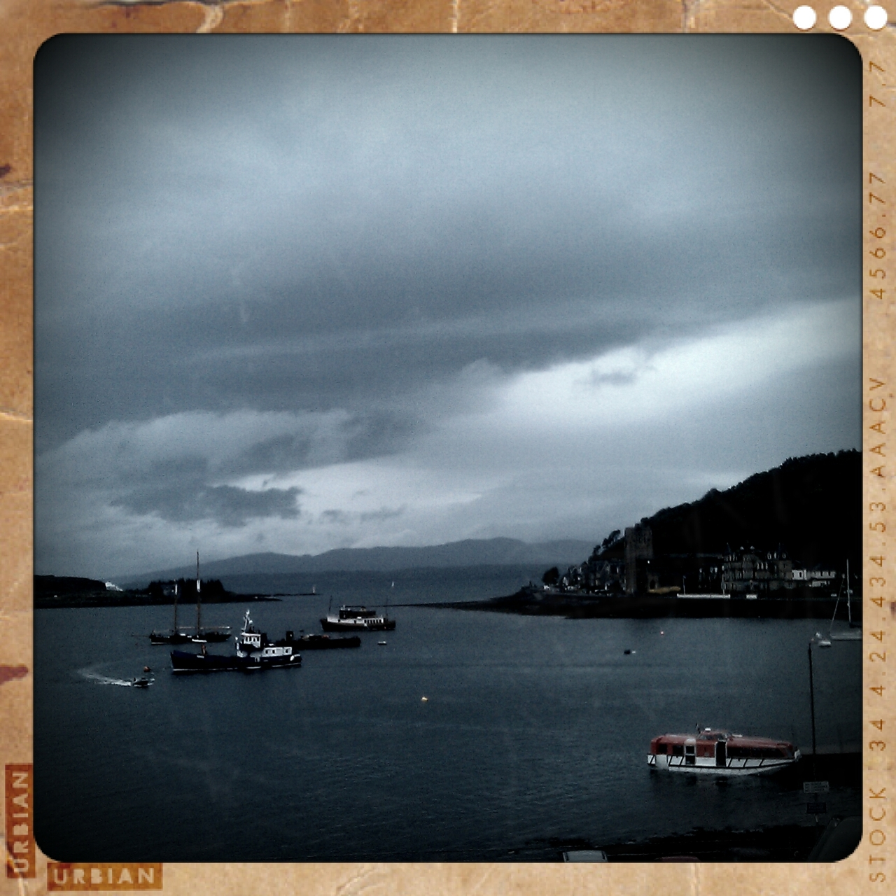 day 25 … Oban [it's not as melancholic as this photo would suggest]