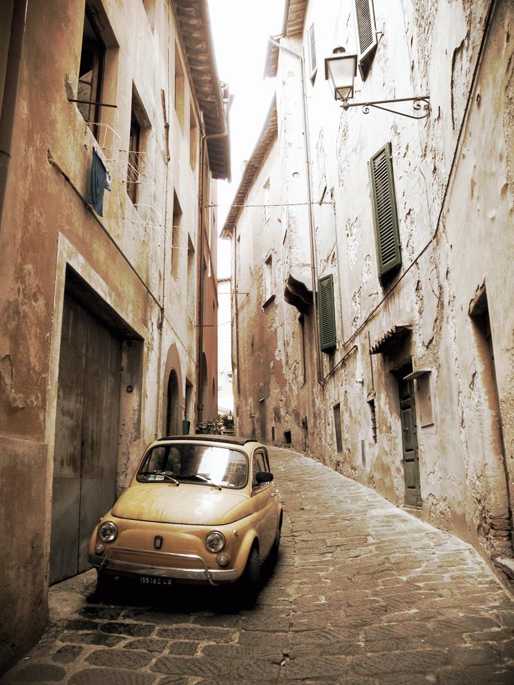 Side Street + Fiat, Barga, 2009