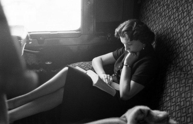 Reading-on-a-train.jpg