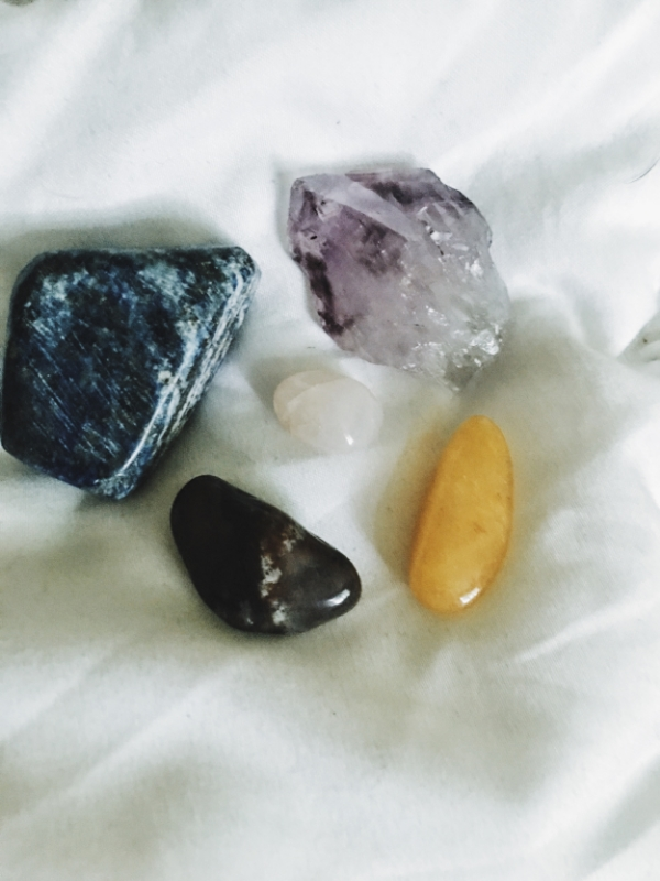 Left top: Lapis Luzuli Left Bottom: Sunstone Right Top: Amethyst Right Bttm: Citrine Center: Rose Quartz