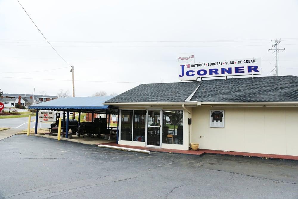 J's Corner_08.jpg