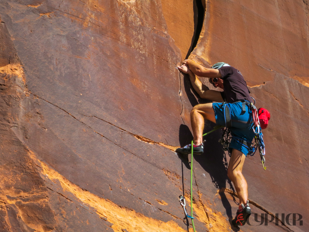Paul Robertson enters the crack on Knocking on Heaven's Door (5.10b).  © Beanjamin L Eaton