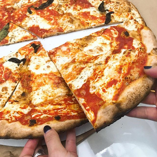 🍕 every day, please . #brooklyn #pizza #noms #yummy