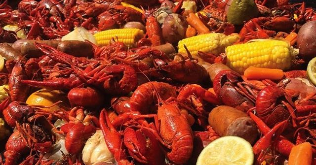 Our friends, @themeathook, are hosting their 4th Annual Crawfish Boil with & at @threesbrewing this Sunday! Grab tickets to the Cajun-themed afternoon in our story!! #food #meat #cajun #crawfish 🦐