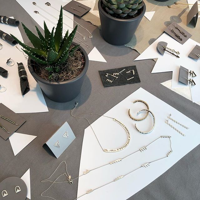 Trunk show vibes ✨✨✨✨ come by 24 Morton st in Wellesley if you're in the Boston area! We'll be here 12-3 pm 🥰😄