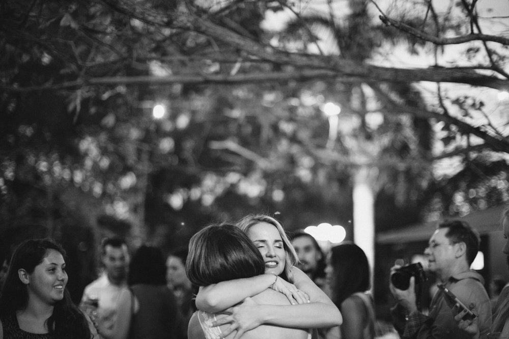 hug nica