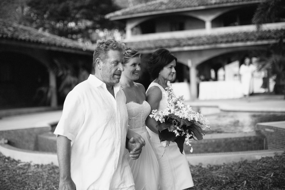 Walking with parents. Nicaragua destination Wedding