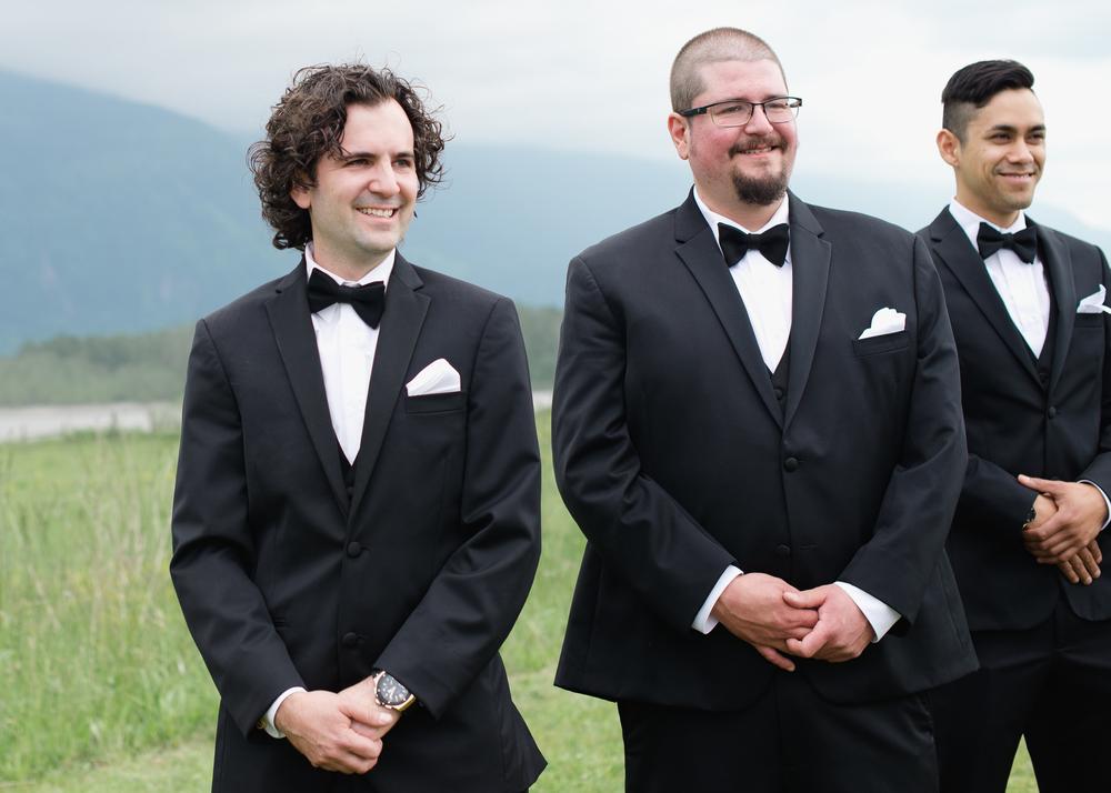 Fraser River Lodge Wedding_10.jpg
