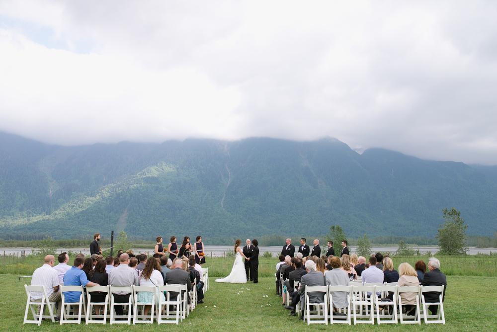 Fraser River Lodge Wedding_12.jpg