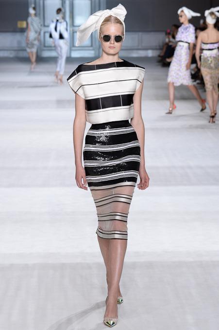 giambattista-valli-couture-fall-2014-05_163910503532.jpg