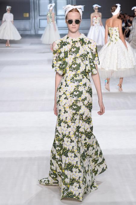 giambattista-valli-couture-fall-2014-18_163919501849.jpg