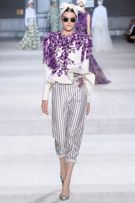 giambattista-valli-couture-fall-2014-24_163924325576.jpg