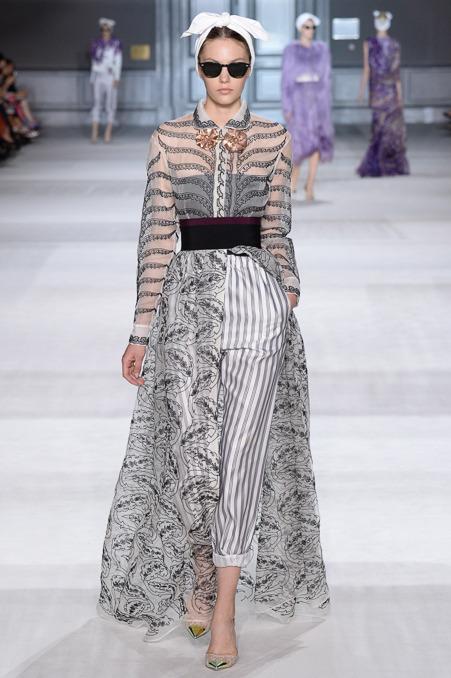 giambattista-valli-couture-fall-2014-27_163926303662.jpg