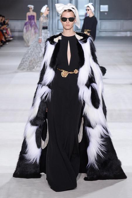 giambattista-valli-couture-fall-2014-31_163929245973.jpg