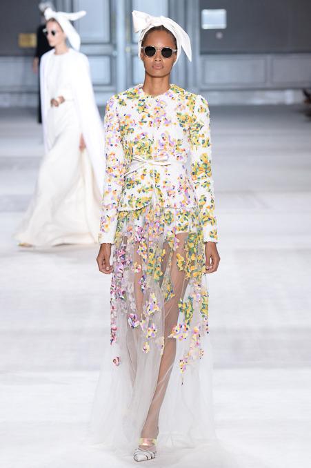 giambattista-valli-couture-fall-2014-37_163933304968.jpg