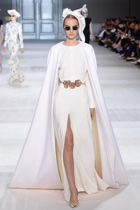 giambattista-valli-couture-fall-2014-38_163934174665.jpg