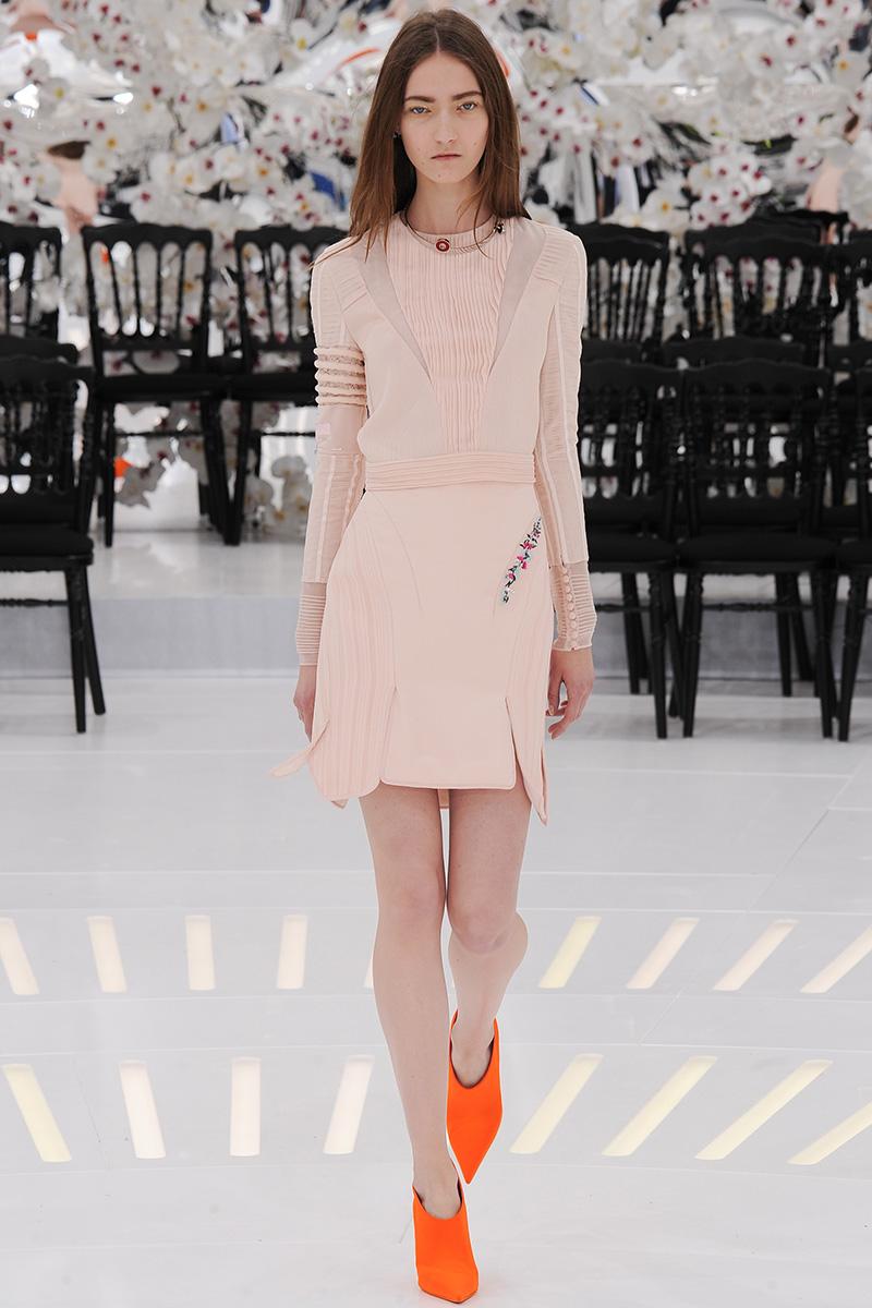 christian-dior-couture-fall-2014-32_16533354892.jpg