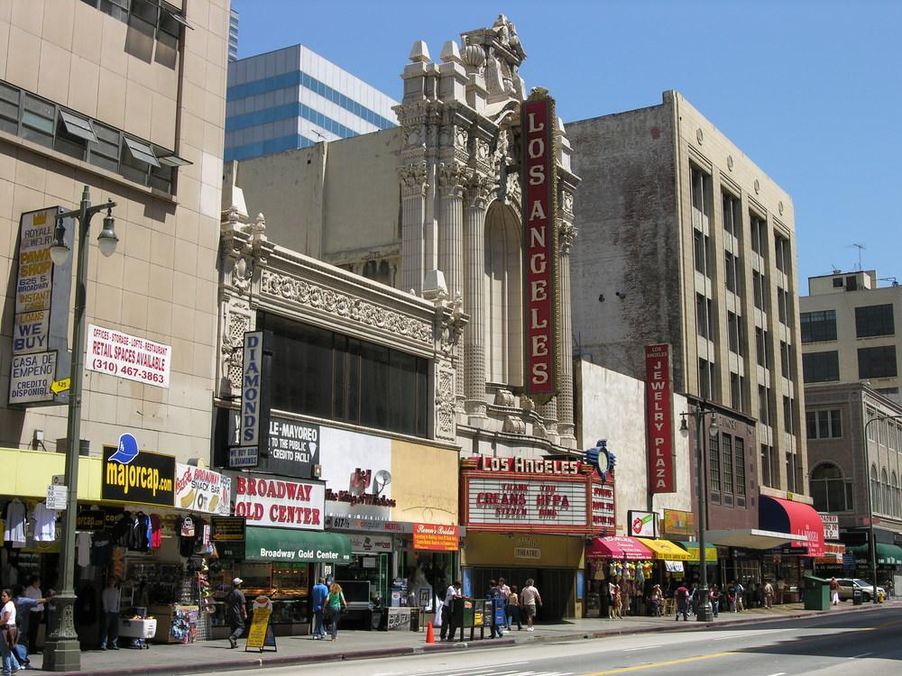 Los_Angeles_Theatre.jpg
