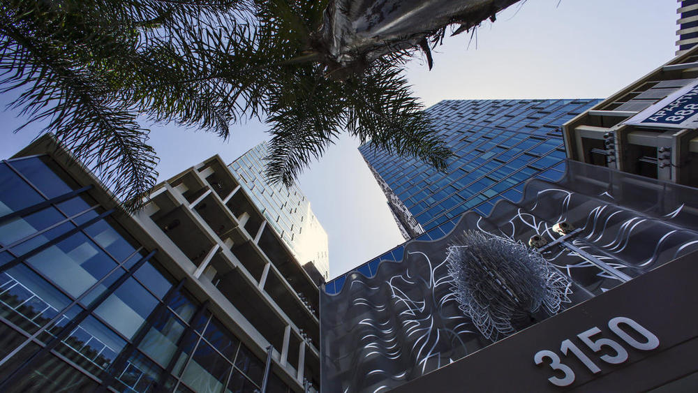 Photo Credit: Irfan Khan / Los Angeles Times.The Vermont, a 22-story residential building in Koreatown, sets a sleek tone and is a reminder that such complexes need not follow one pattern.