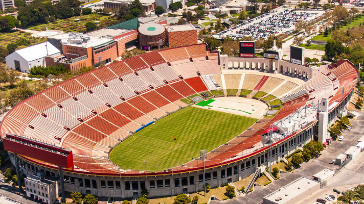 Los Angeles Memorial Coliseum   Photo courtesy of *PhotoByJohn*, Discover Los Angeles Flickr pool