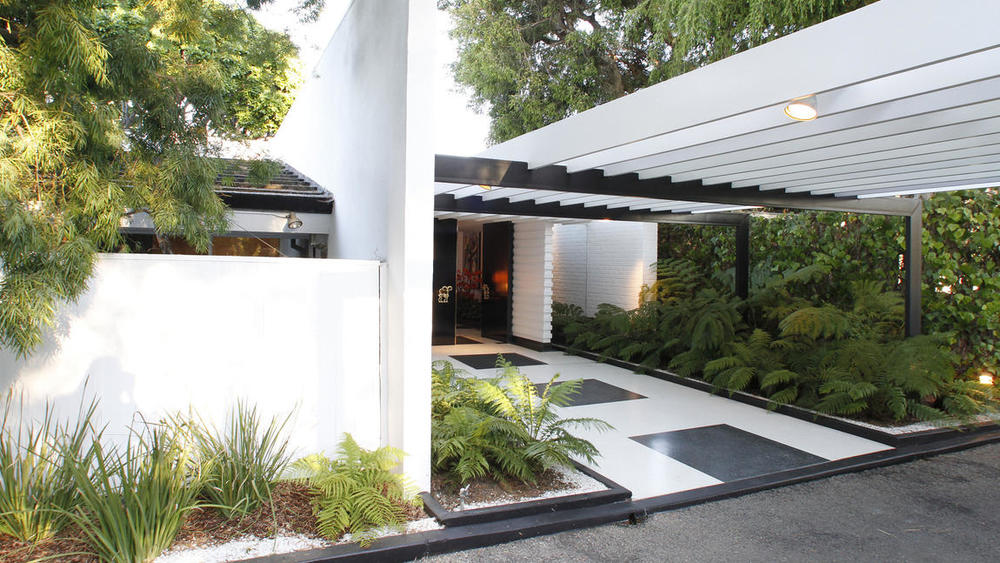 Image credit: Kirk McKoy / Los Angeles Times. Napster co-founder Sean Parker purchased the Brody House on L.A.'s Westside from flipper extraordinaire Ellen DeGeneres.
