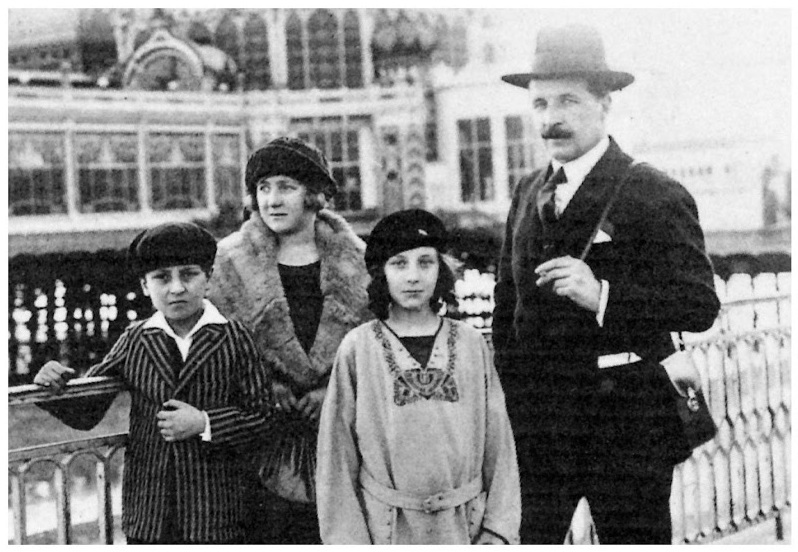 Louise with her brother, father, and Sadie