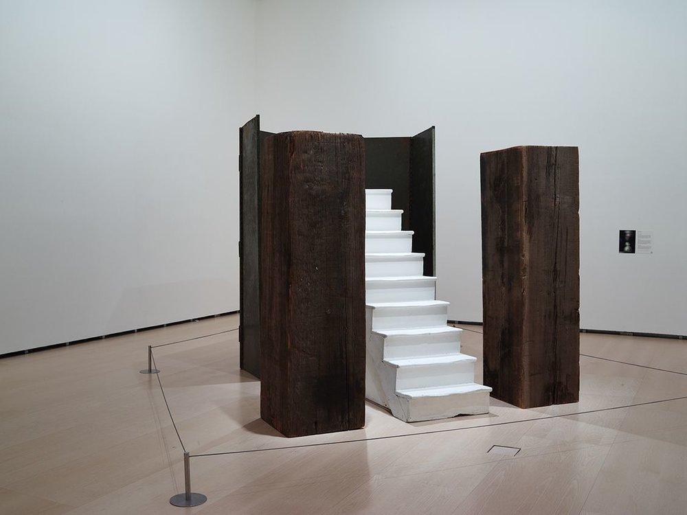 Louise Bourgeois: No escape, 1989