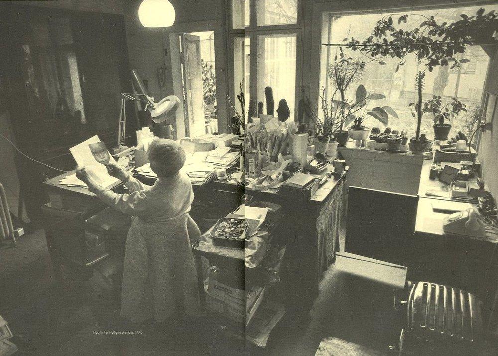 Hannah in her studio, 1976