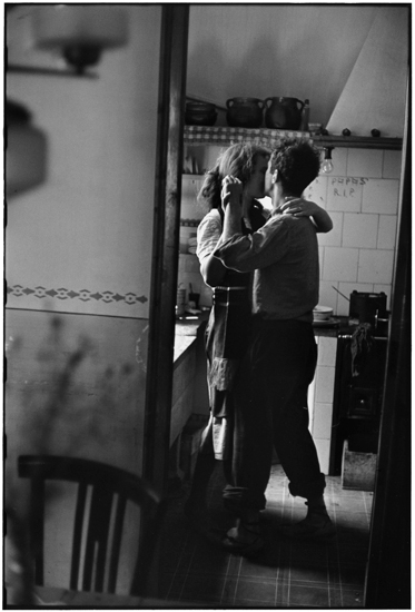 Elliott Erwitt, Robert and Mary Frank, Valencia, Spain, 1952.