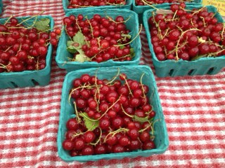 Red currants at Dupont Farmer's Market--haven't seen these in SF!