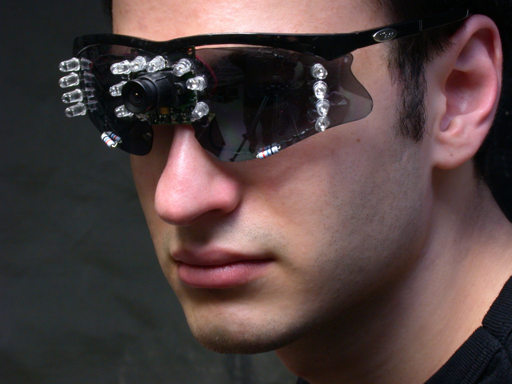 eye contact sensing glasses (2003)