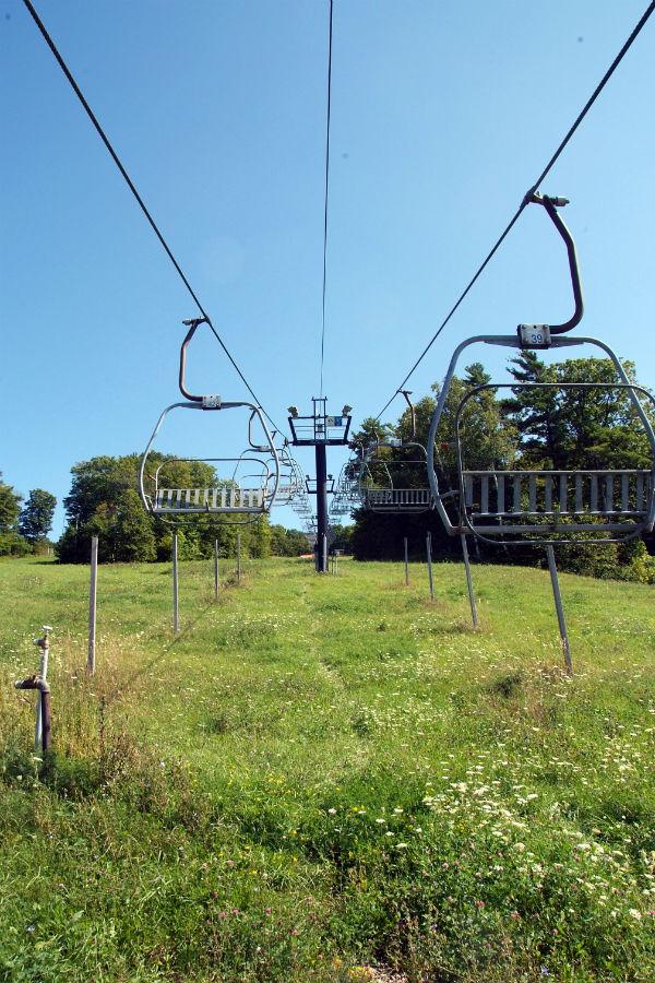 Summer ski lift