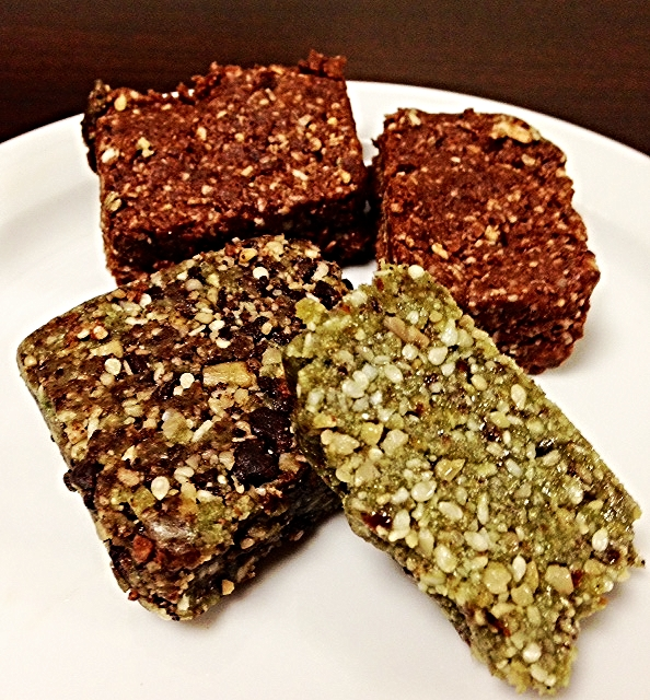 My spelendid samples of Tasty Living's new Paleo Amaze bars