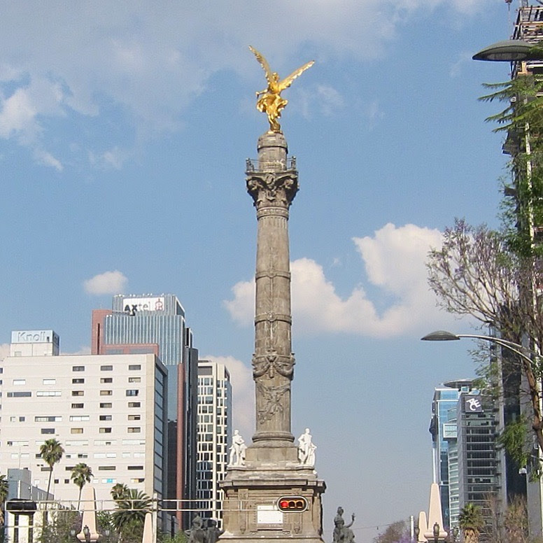 Monumento a la Independencia. Perhaps the most iconic statue in Mexico City.