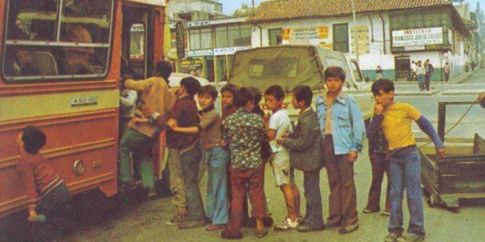 Photo from:  https://www.publimetro.co/co/bogota/2015/07/13/bogota-recuerdo-imagenes.html?page=1&word=lo-ultimo&blog=co&kind=category