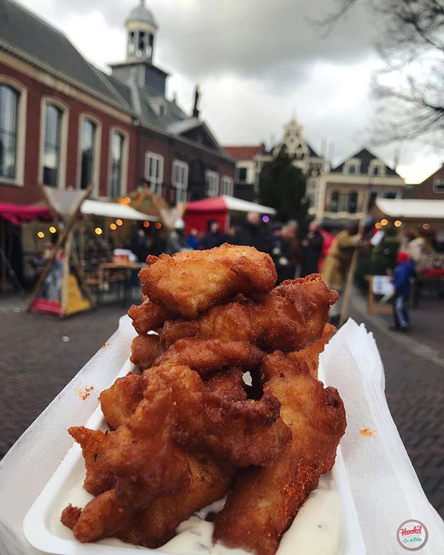 KIBBELING: battered white fish fried and rolled in paprika and herbs, then drowned in tartare sauce. Just a light Christmas market snack! #imhookd #hookdonabite #christmasmarket #love #kibbeling #food #dutchfood #foodporn #vlaardingen #rotterdam #netherlands