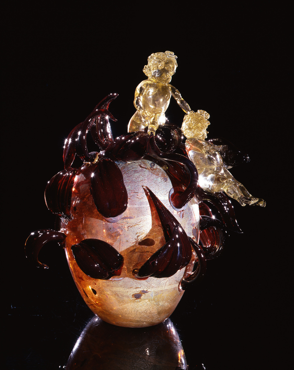 Dale Chihuly,  Gold over Pale Ruby Putti Venetian with Burgundy Leaves  (1994, glass, 19 x 16 x 13 inches)