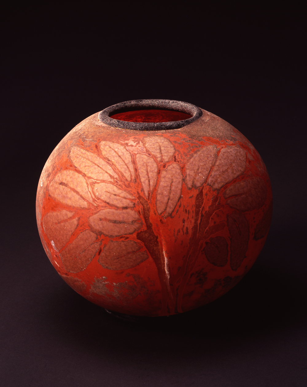William Morris,  Globe Vessel with Leaves  (2004, glass, 8 1/4 x 9 3/4 x 9 3/4 inches), WM.23