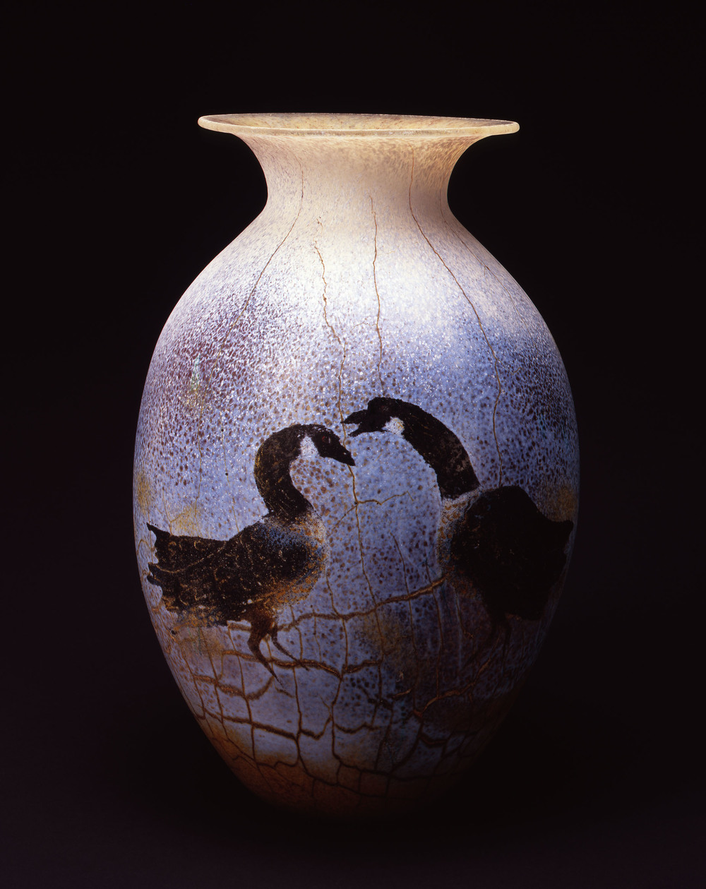 William Morris,  Vessel with Greater Canada Geese  (2004, glass, 16 1/2 x 10 3/4 x 10 3/4 inches), WM.37