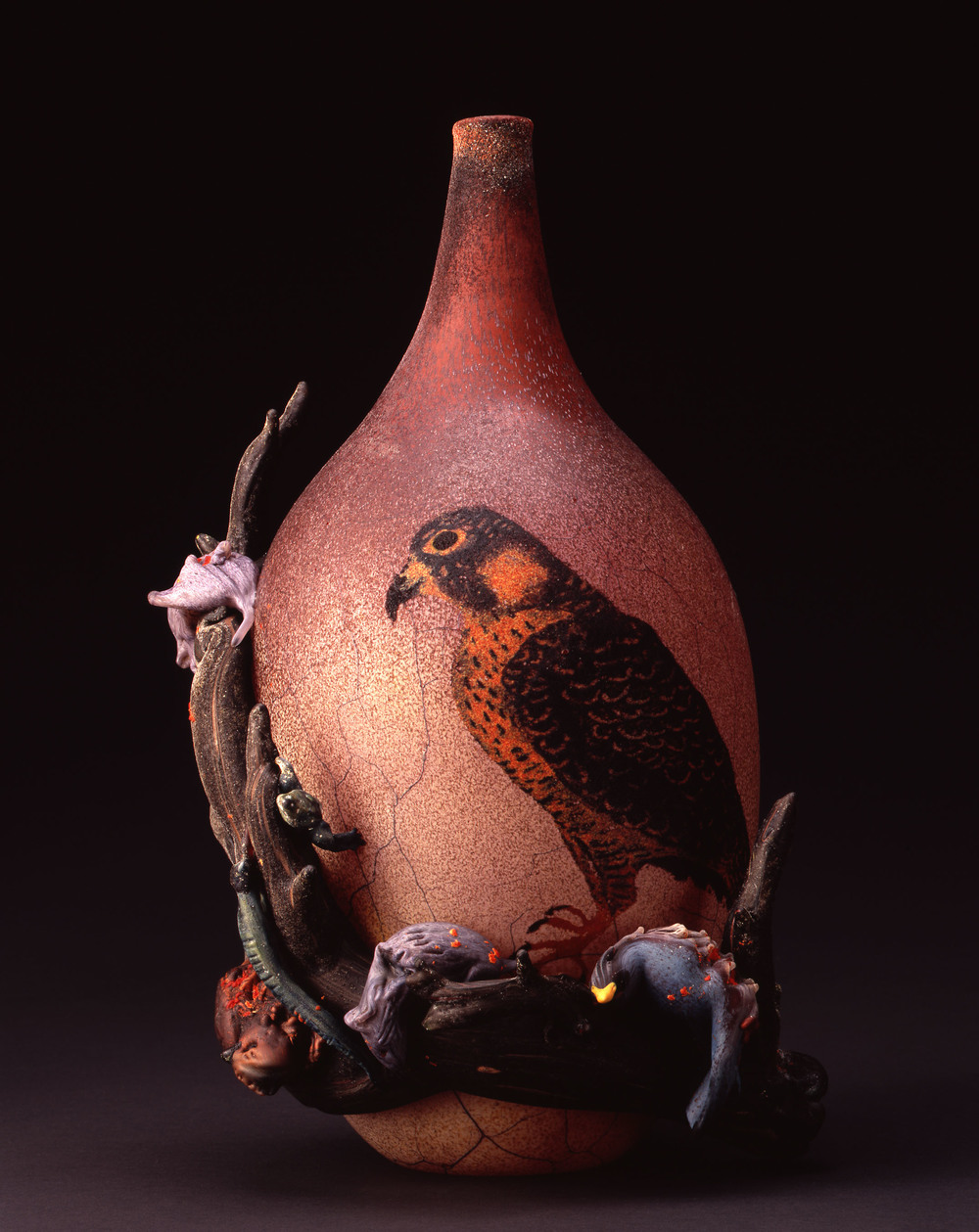 William Morris,  Vessel with Bird of Prey and Carrion,  (2004, glass, 15 3/16 x 9 3/4 x 9 3/4 inches), WM.40