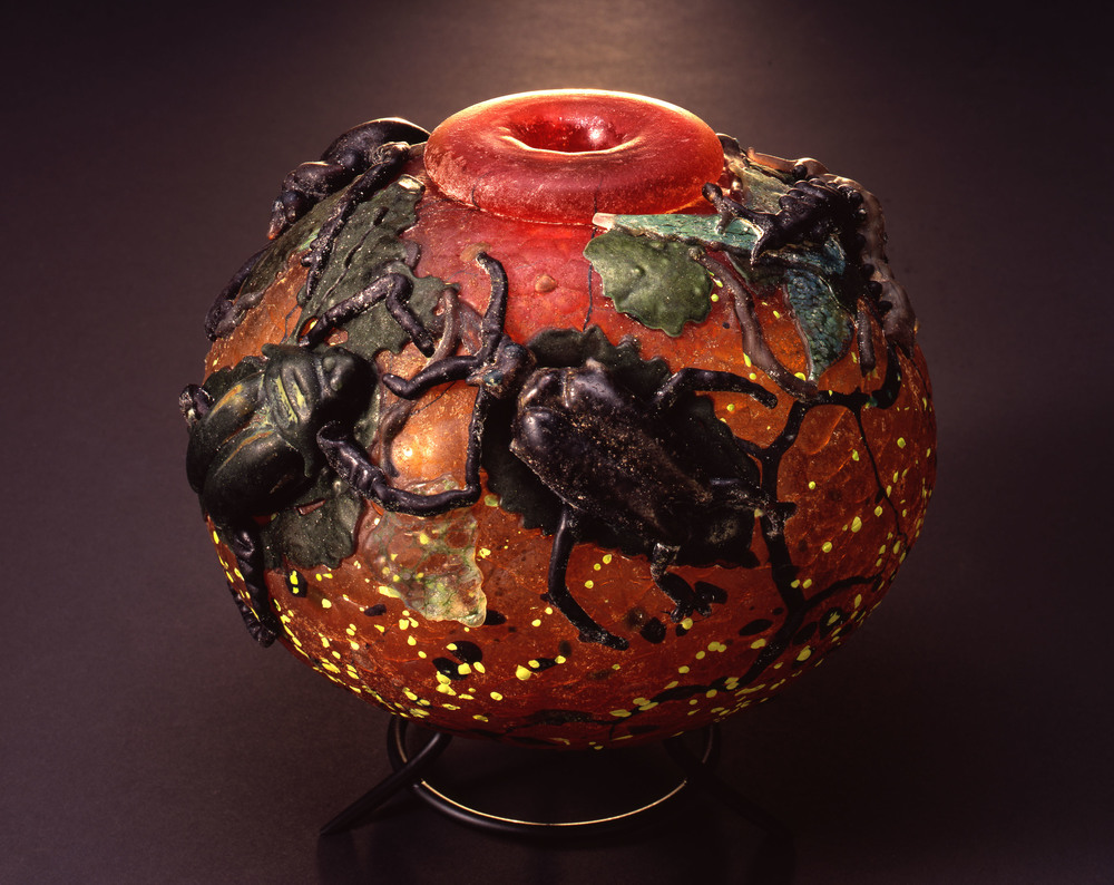 William Morris,  Globe Vessel with Beetles and Centipedes    (2004, glass, 71/2 x 7 3/4 x 7 5/8 inches), WM.52