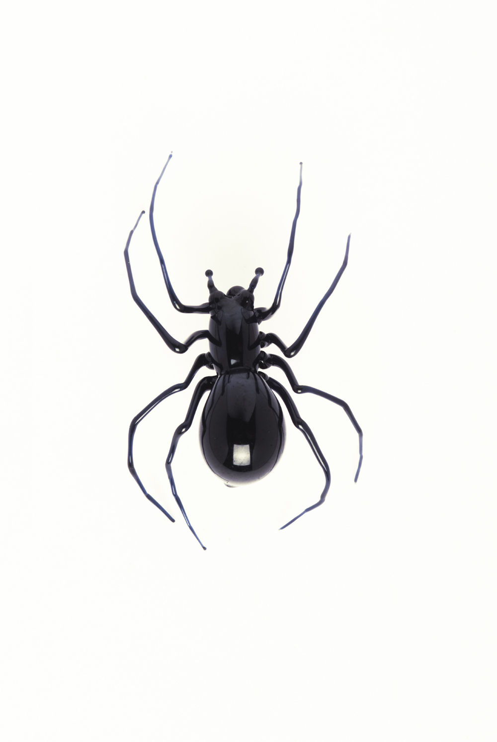 Vittorio Costantini,  Black Widow  (2005, soda-lime glass, 15/16 x 5/8 x 5/16 inches), VC.45
