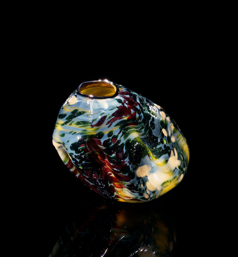 Dale Chihuly,  Red and Green Dappled Daffodil Macchia with Orion Blue Lip Wrap  (1981, glass, 6 x 7 x 6 inches), DC.58